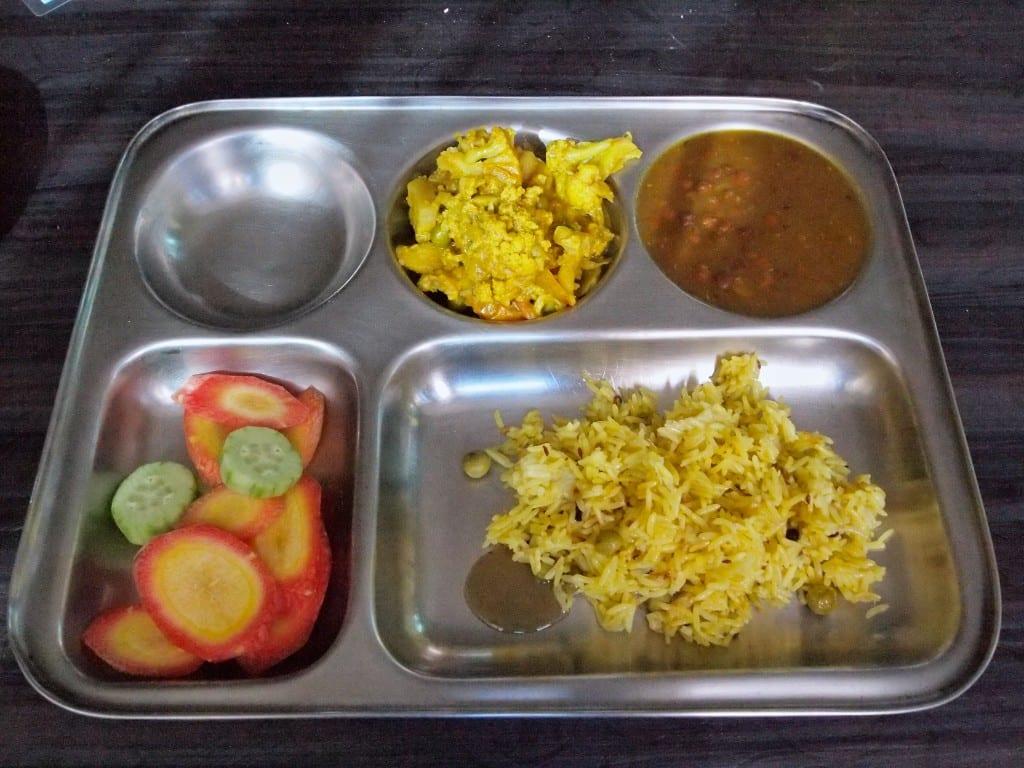 Intialainen kasvisateria