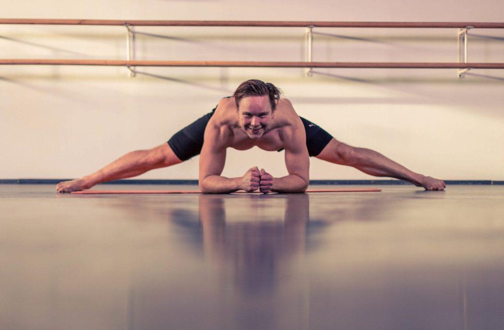 Random Stretch Yoga (5)